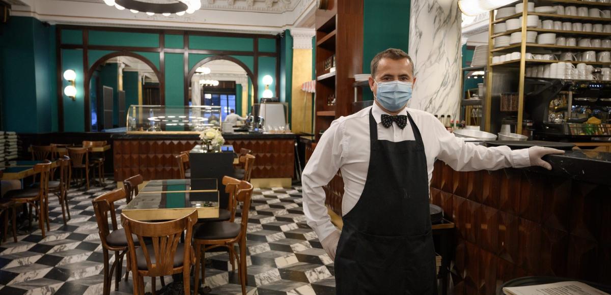 ¿Cómo se debe desinfectar un restaurante?